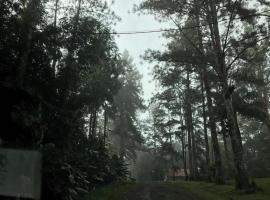Hostal Casa de Campo, Cerro Azul
