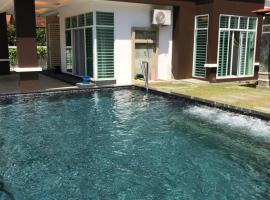 Private pool Bangalow room-3mins to lone pine beach, Бату-Феринги