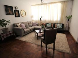 Historical Luxury Entire House (8 minutes walking from main square), Cuzco