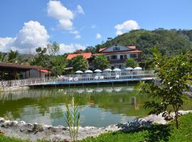 "Casa Club - Hotel Restaurante ""Laguna Blanca"", Satipo"