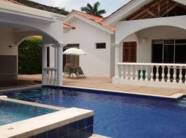 casa con piscina y jacuzzi privado, Nilo