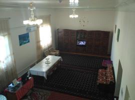 Hotel Sadush va Asqar, Qorowul
