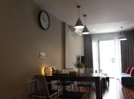 Scenic Valley Apt with River View, Ho Chi Minh