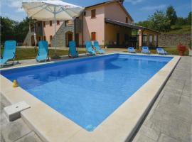 Five-Bedroom Holiday Home in Gracisce, Gračišče