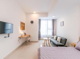 Corner 1226 - Saigon Center Modern and Spacious Room, Ho Chi Minh
