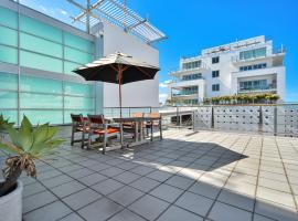 Princes Wharf Private Apartment with Large Balcony, Auckland