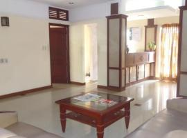 1 BR Boutique stay in Kalady (1354), by GuestHouser, Kāladi