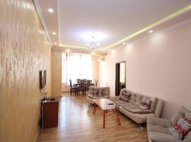 Посуточная квартира на само центре города, Erywań
