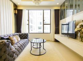 3-BR Apartment with city view and rooftop pool, Ho Chi Minh