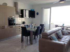 Luxury Seafront Apartment With Pool, San Pawl il-Baħar