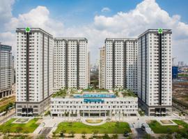 Spacious Lexington apartment with infinity pool, Ho Chi Minh