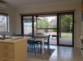 Homely Getaways - Eighth Street Mildura, Mildura