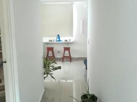 Beautiful studio aparment via argentina, Panama-Stad