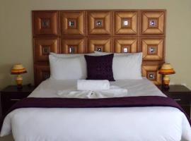 Over The Moon Guest House, Francistown