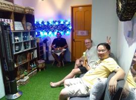 Co.Living Hostel, Kampong Gadong