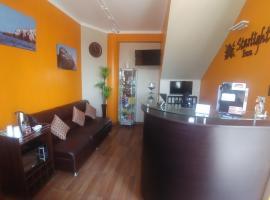 Starlight Inn, Pisco