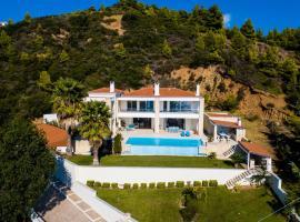 Luxurious Villa in Agia Paraskevi Chalkidiki, Ayía Paraskeví
