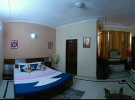 Comfortable Guest House near Nehru Place Bus Stop, Nowe Delhi