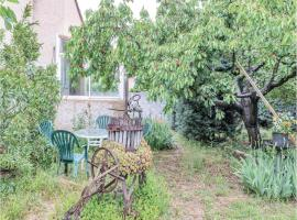 Two-Bedroom Holiday Home in Greoux les Bains, Gréoux-les-Bains