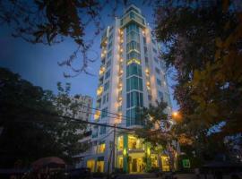 Richeleu hotel, Phnom Penh