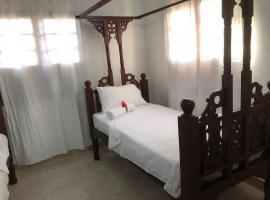 Auras Lodge, Bwejuu