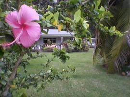 Huahine Home, Parea