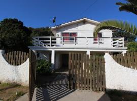 casa con piscina privada, El Quisco