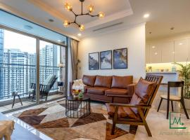 VINHOMES SPACIOUS APT FOR BIG GROUP/FAMILY -4/BED, Ho Chi Minh