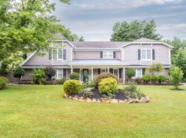 Executive home in top neighborhood, Roswell