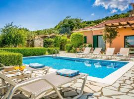 Anninata Villa Sleeps 6 Air Con WiFi, Annináta