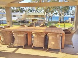 'Beauty and the Beach', 88 Foreshore Drive - large home with WIFI & water views, Salamander Bay