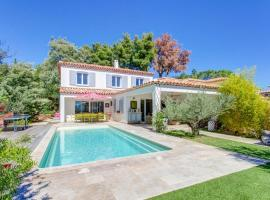 Bormes-les-Mimosas Villa Sleeps 14 Pool Air Con, Bormes-les-Mimosas