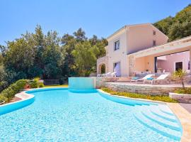 Agios Stefanos Sinion Villa Sleeps 8 Pool Air Con, Ágios Stéfanos