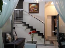 Mai Hạnh House, Dalat