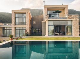 Pyrgi Villa Sleeps 10 Pool Air Con WiFi, Pyrgi