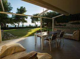 Moriel Seaside Homes Suites, Elia