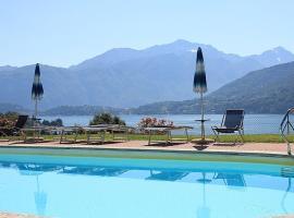 Mezzegra Villa Sleeps 5 Pool WiFi, Mezzegra