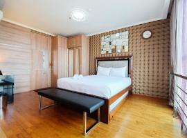 Best Furnished Studio Apartment Ancol Mansion By Travelio, Yakarta
