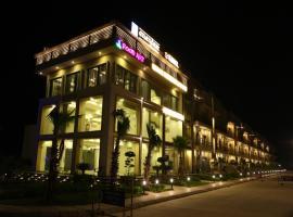 Anandam Clarks Inn Suites Vrindavan, Vrindāvan