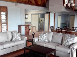 Three Bedroom Loft Apartment 5B - 2 King & 1 Queen, Apia