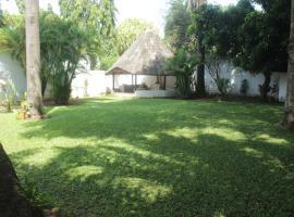 SANDRA HOUSE, Cotonou