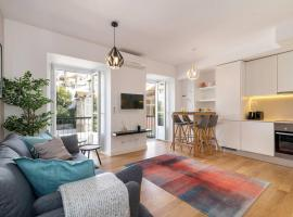 Portuguese Modern Style flat for 4, Lizbona