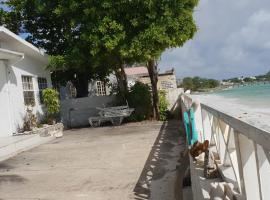 BEST LOCATIONS - PRIVATE BEACH FRONT GETAWAY, Christ Church