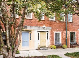 The Whippet House - Two Bedroom House, Savannah