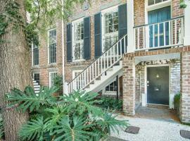 Tattnall Main + Garden - Three Bedroom House, Savannah