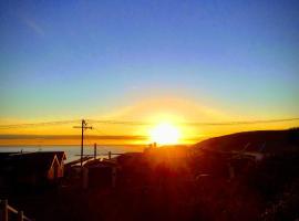 Sunrise Whare, Oamaru