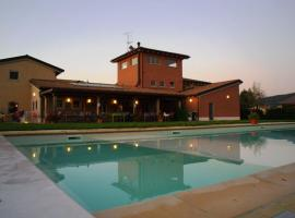 Braccagni Apartment Sleeps 5 Pool Air Con WiFi, Braccagni