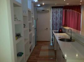Tirana Welcoming Apartment, Tirana