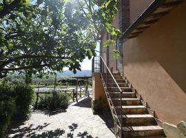 Castiglione del Lago Villa Sleeps 4 Pool WiFi, Castiglione del Lago