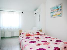 studio apartment close to the beach, Фажана